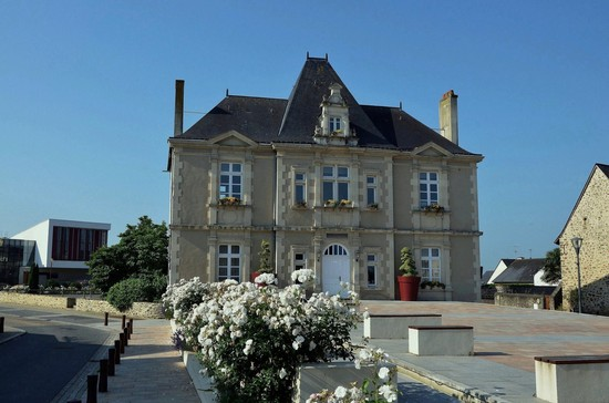 Mairie de l'Huisserie